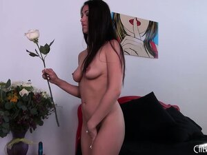 nude brunette girls from WinPorn