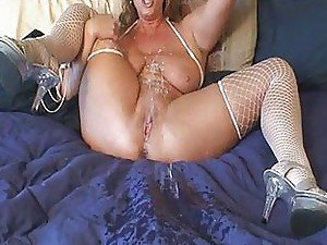 squirting girls from BravoTube