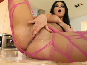 female masturbation from WinPorn
