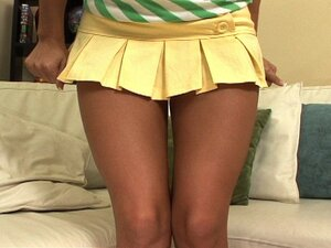 hot girl in miniskirt from Beeg