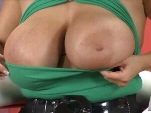 big boobs videos from IcePorn