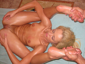 nude flexible girls